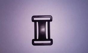 Пряжка четырехщелевая регулировочная 25 мм черная