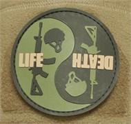 Шеврон на липучке Life Death PVC олива-черный